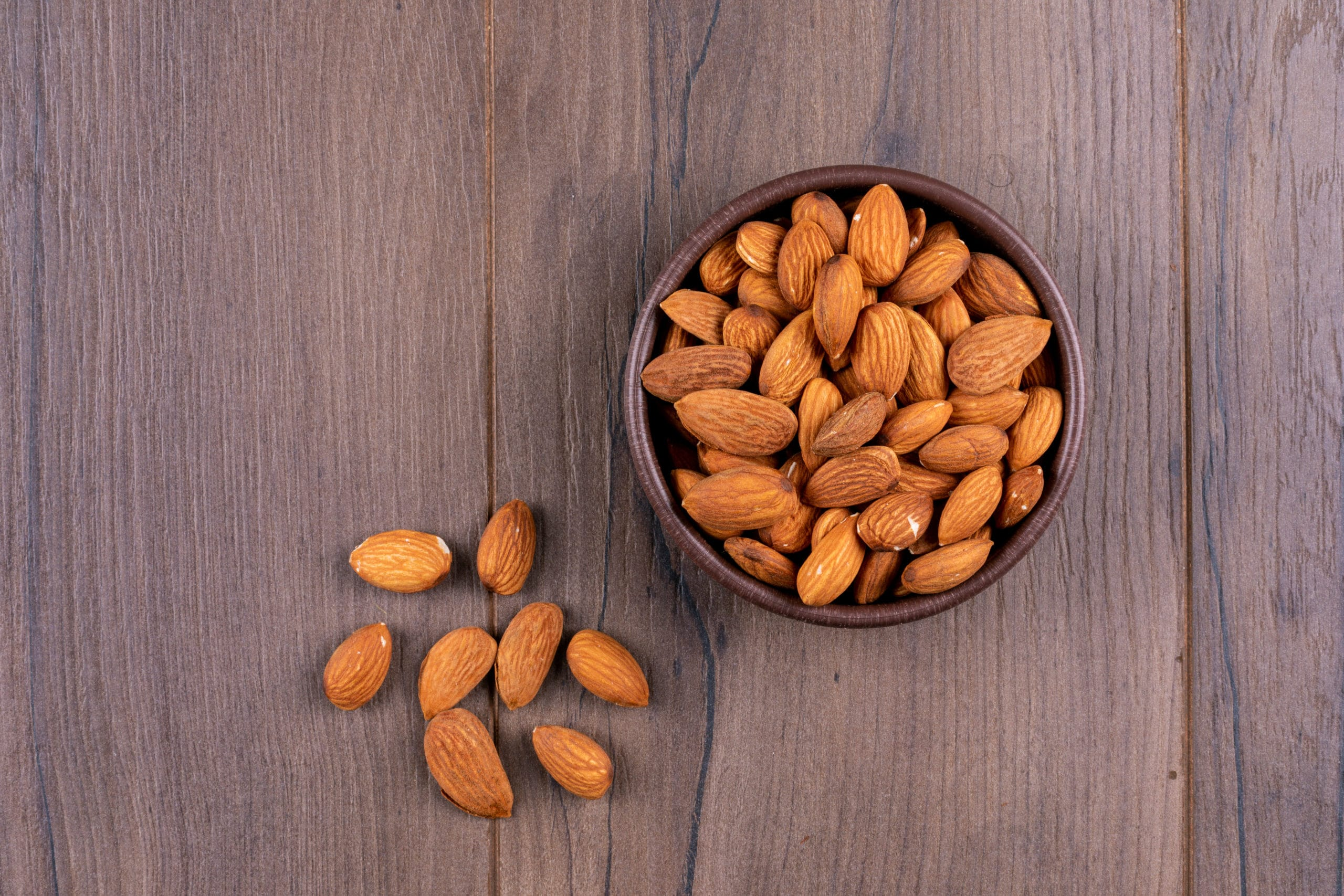 Learn about the most important types of Spanish almonds
